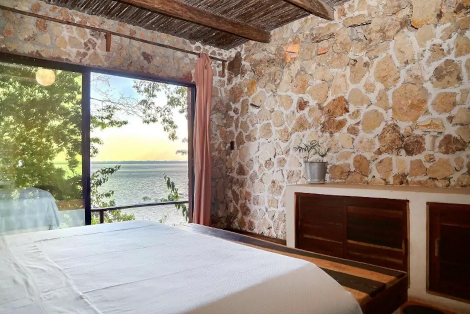 airbnb gwatemaal