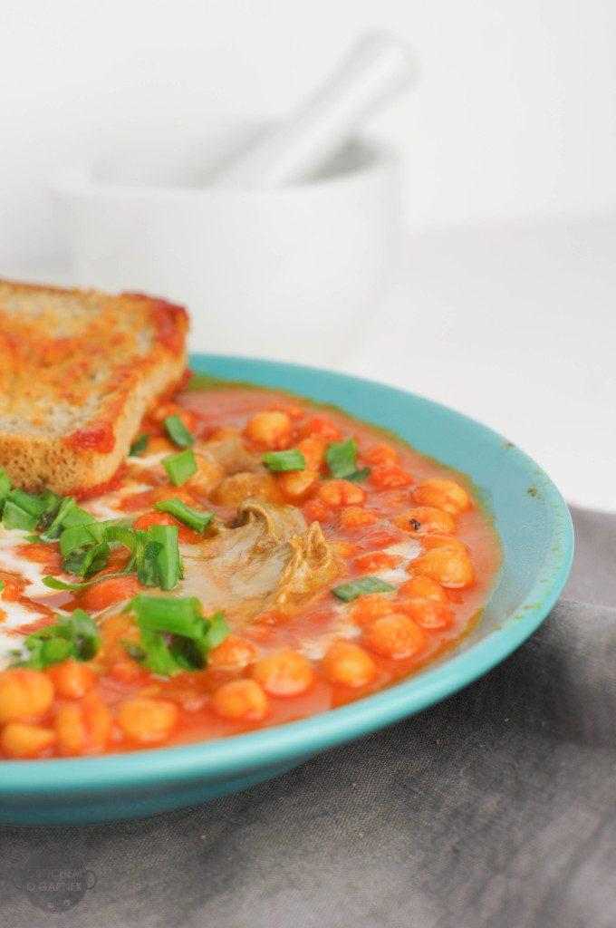 Szybki wegański obiad ciecierzyca w pomidorach