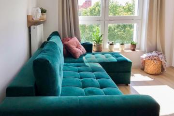 Butelkowo zielona kanapa do salonu