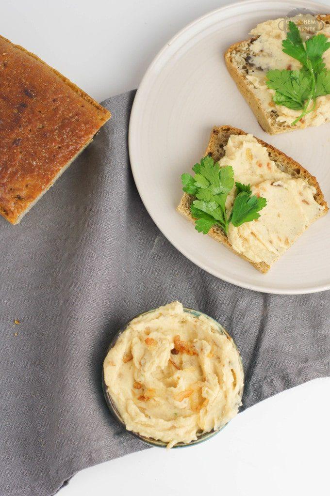 Szybkie śniadanie do szkoły – wegańska pasta kanapkowa